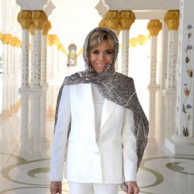 Боса и в бяло: Бриджит Макрон в Абу Даби