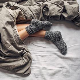 Bedtime Stories: Секси ли е да спиш с чорапи или не точно?