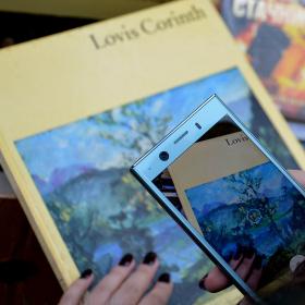 Невероятният живот на един телефон: Sony Xperia XZ1 Compact в ръцете на Петя