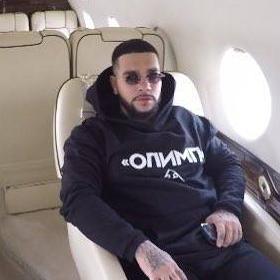 Тимати идва у нас с частния си самолет