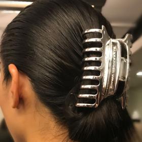 Back in the game: Wang върна ударно ретро ШНОЛАТА за коса