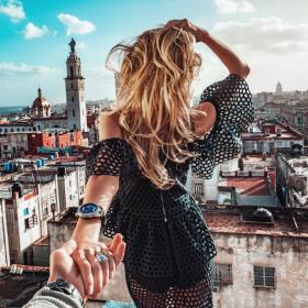 Travel in style: 5 fashion editors плана за лятото?