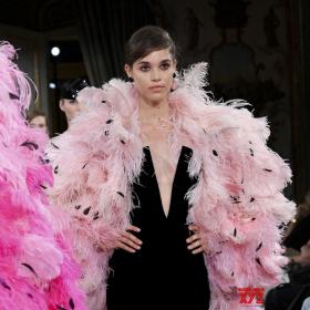 Fall 2018 Couture: Armani Privé