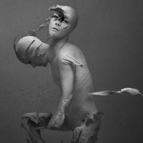 Различното изкуство: Деконструктивната реалност на Yuichi Ikehata