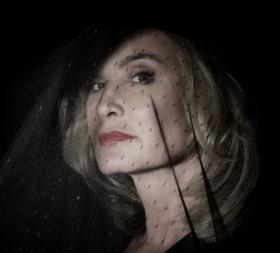 Джесика Ланг се завръща в осмия сезон на American Horror Story