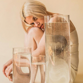 Healthy bubbles: Защо да миете лицето си с газирана вода?