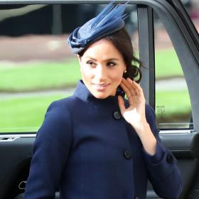 Меган пак облече Givenchy за кралската сватба