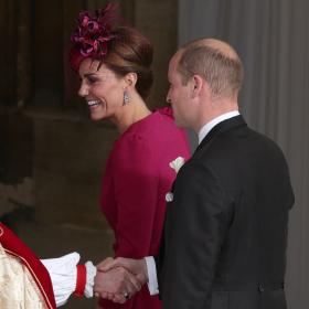 А Кейт заложи на любимия си Alexander McQueen