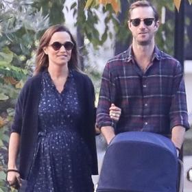 Първата разходка на бебето: Пипа, Джеймс & наследникът