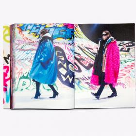 Behind-the-scenes snapshots: Демна и новата книга на Balenciaga
