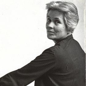 Кралицата на глината: 100 години Йова Раевска