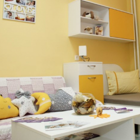 """Фондация """"Нашите недоносени деца"""" отбеляза Световния ден на недоносеносeните деца с нова семейна стая в Сливен"""