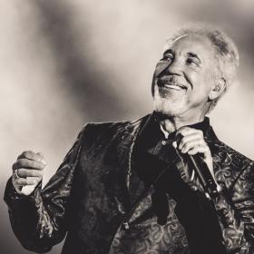 Tom Jones с уникален концерт в Пловдив през 2019!