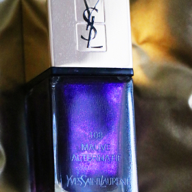 View Sofia's golden GIVEAWAY: YSL, La Laque Couture