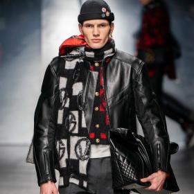Fall 2019 Menswear: Versace