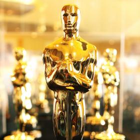 НЕ пиши ЕСЕ, а чети Димитрис vs. Крис за кой ще спечели Оскар