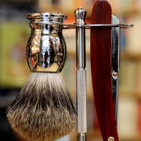 На лов: Shaving him softly