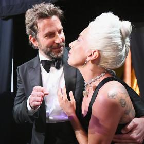 Хората говорят: За химията между Брадли и Гага