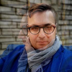 Профил/Анфас: Петър Денчев