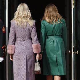 Модната война на две Първи дами: Бабишова засенчи Мелания