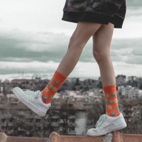 Апетитен бургер + готини чорапи = В.Н.Л.