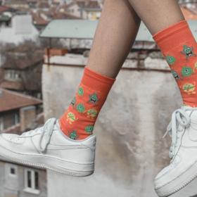 WIN IT: Апетитни чорапи и шарени бургери или как да си спечелите бургер + чорапи