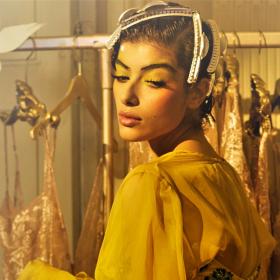 Кой кой е в модата днес: Rosamosario, The Goddess of Lingerie
