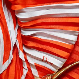 WIN IT! Винтидж копринен шал от Dior
