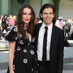 Кийра Найтли показа бременното си коремче от първи ред на Chanel