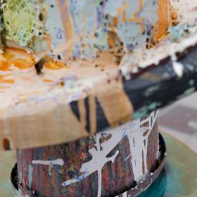 Гравитацията работи само, когато погледнеш надолу: Изложба на Руди Нинов