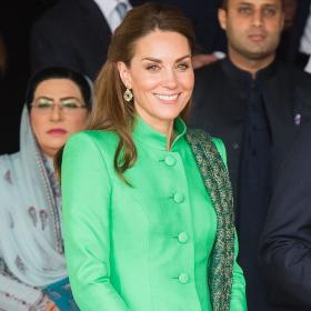 Кейт Мидълтън и гардеробът й в Пакистан: спомен и респект към Ди