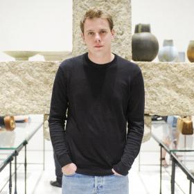 Fashion Starter: Джонатан Андерсън, младият Джани Версаче, който мрази роклите