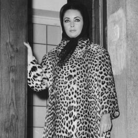 Стил урок на седмицата: a leopard (coat) doesn't change its spots!
