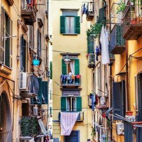 Andrà tutto bene! Как италианците не падат духом, обръщение от заключено Милано