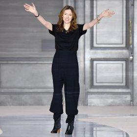 Клеър Уайт Келър вече не е в Givenchy. Какво е важно да (не) знаем за това