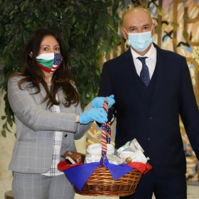 Г като Гаф: националният ни флаг на носа и устата на госпожа Мустафа