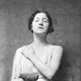 Истории от живота: Одри Мънсън, момичето-статуя