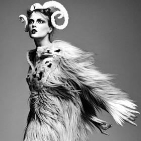 Небесни одеяния или за астрологията в модата
