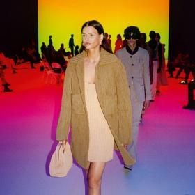 Bottega Veneta приключиха със социалните мрежи
