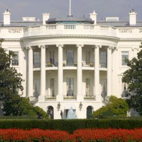 1.2 милиона долара за ремонт на баните: Джил Байдън запретва ръкави