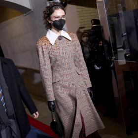 Втората дъщеря на Белия дом: Eла Емхоф, облечена чудно