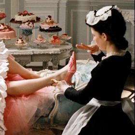 Не само Мелания Тръмп обожава обувките на Manolo Blahnik. И киното не може без него!