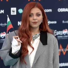 Виктория в Ротердам за Евровизия 2021 - сладка, самостилизирана, съвременна