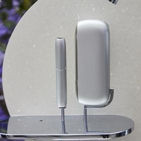 Сребърно сияние: новият ни божествен лимитиран IQOS 3 Duo Moonlight Silver