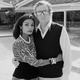 We love: Майкъл Кейн и Шакира, 48 години любов