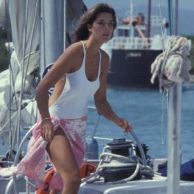 Beach Inspo: Още 16 кадъра Каролина Монакска, но морска