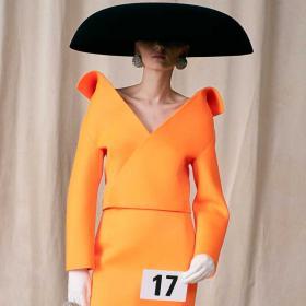 Епохалното значение на първата Висша мода на Демна Гвасалия за Balenciaga и 5-те най-важни неща за нея