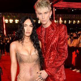 46 кадъра подобаващо за случая звездно обличане: MTV Video Music Awards 2021
