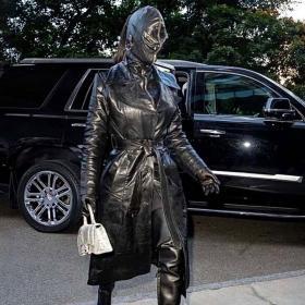 Gosh! Ким Кардашян в Balenciaga ТАКА