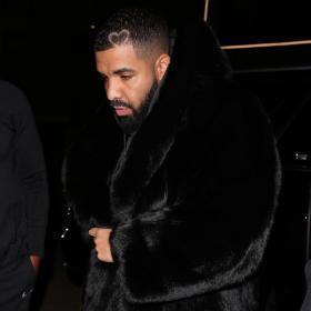Уличният стил на звездите: Кое е по-екстра - косматото палто на Дрейк или часовникът за 2 милиона?
